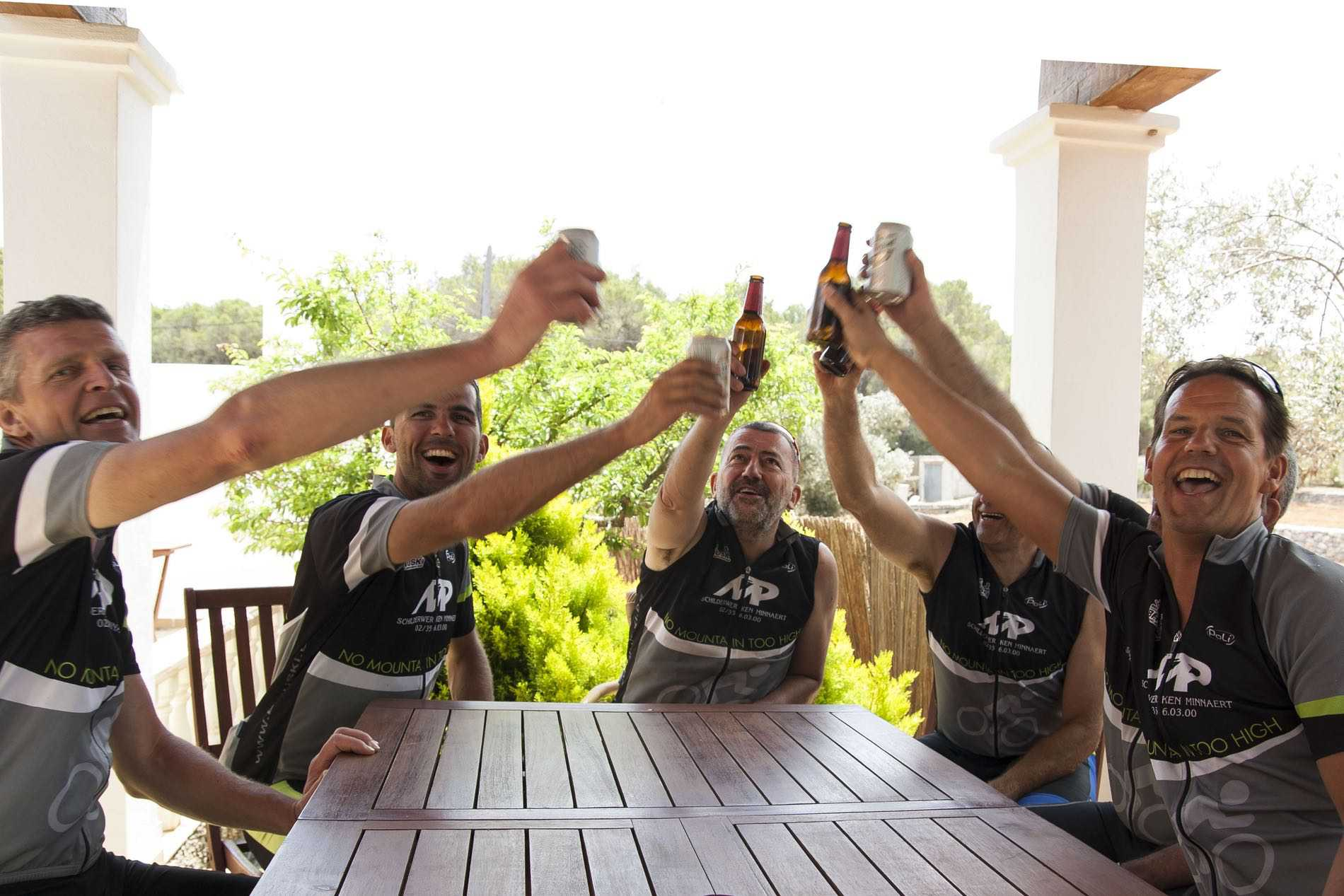 Ibiza reis november met de elektrische fiets en geniet van de heerlijke maaltijden in de villa Can Toni d 'Atzaró .